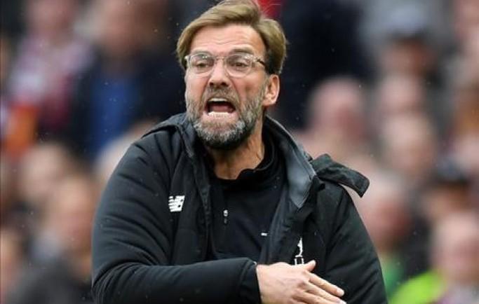 Báo 8live đưa tin Klopp bất phục chiến thắng 'rùa' của Man Utd
