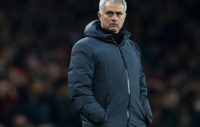 Báo 8live đưa tin MU đá thế này, Jose Mourinho có xứng đáng được gia hạn hợp đồng?