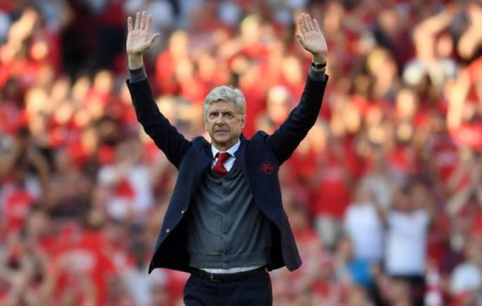 Báo 8live đưa tin Wenger khoái chí vì sắp được 'chửi' các HLV của Arsenal