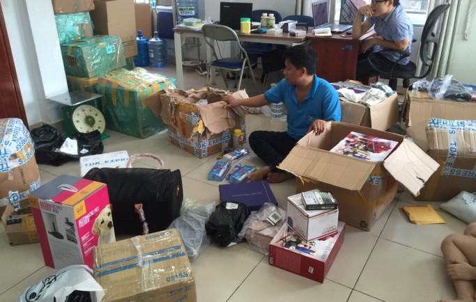 Chuyển hàng bàn phím máy tính từ Trung Quốc về Việt Nam TDK Express