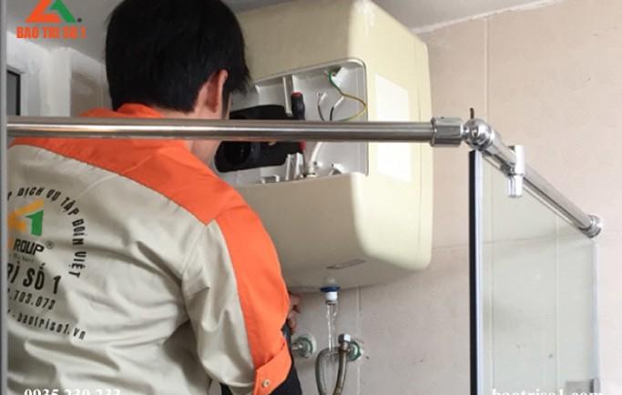 Dịch vụ bảo dưỡng bình nóng lạnh tại nhà đảm bảo máy sạch như mới