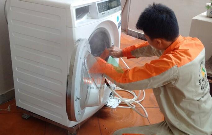 Dịch vụ sửa máy giặt Electrolux tại nhà đảm bảo dứt điểm lỗi hết