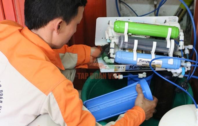 Dịch vụ sửa máy lọc nước giá rẻ tại nhà 12 quận Hà Nội nhanh nhất