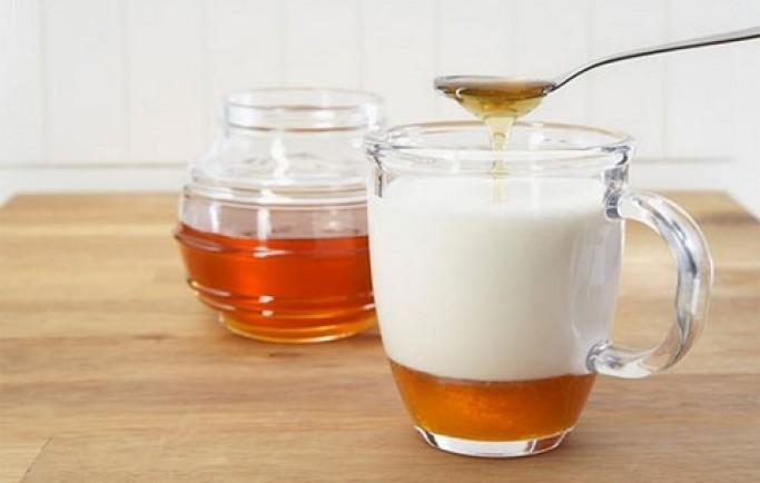 Gợi ý 3 cách đơn giản để làm trắng da bằng mật ong cho chị em