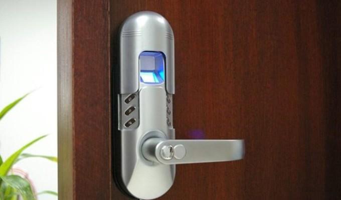 Lựa chọn khóa cửa vân tay theo cách tin cậy và bảo mật
